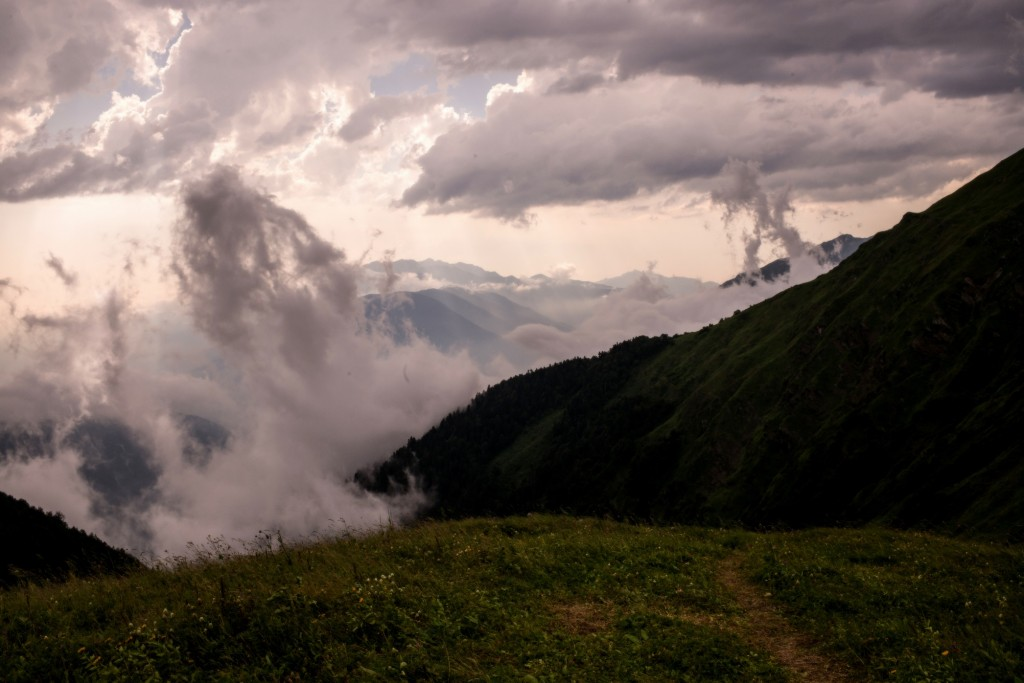 горы облака